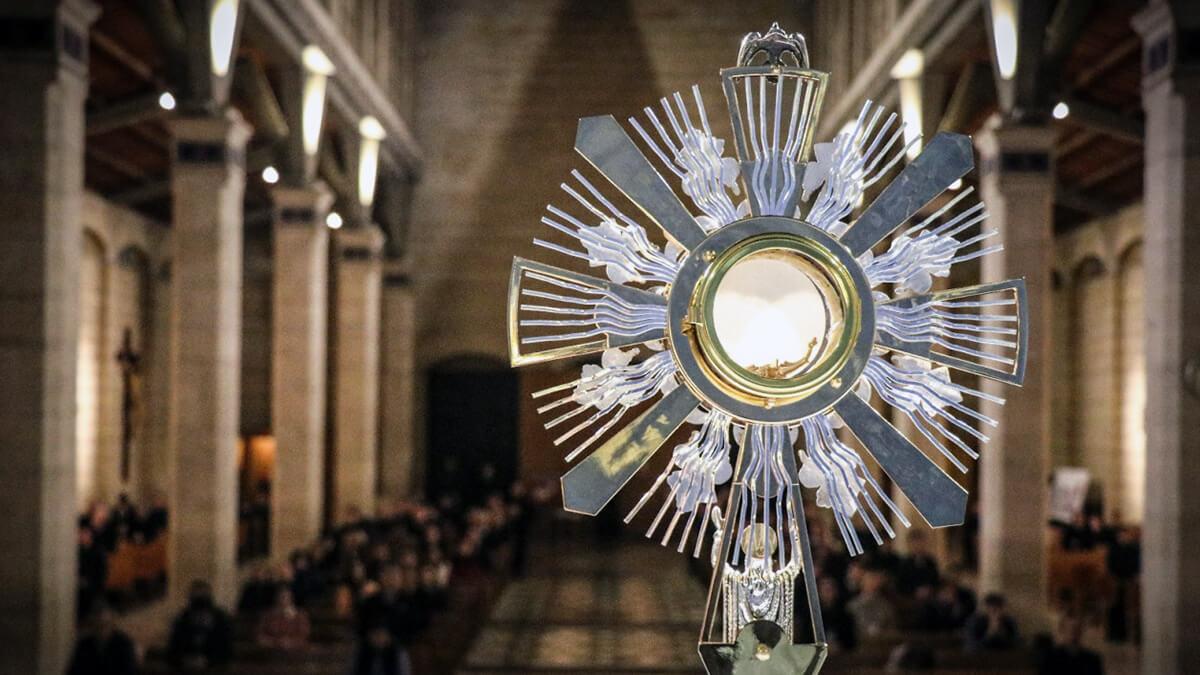 Heure Eucharistique en fin de journée