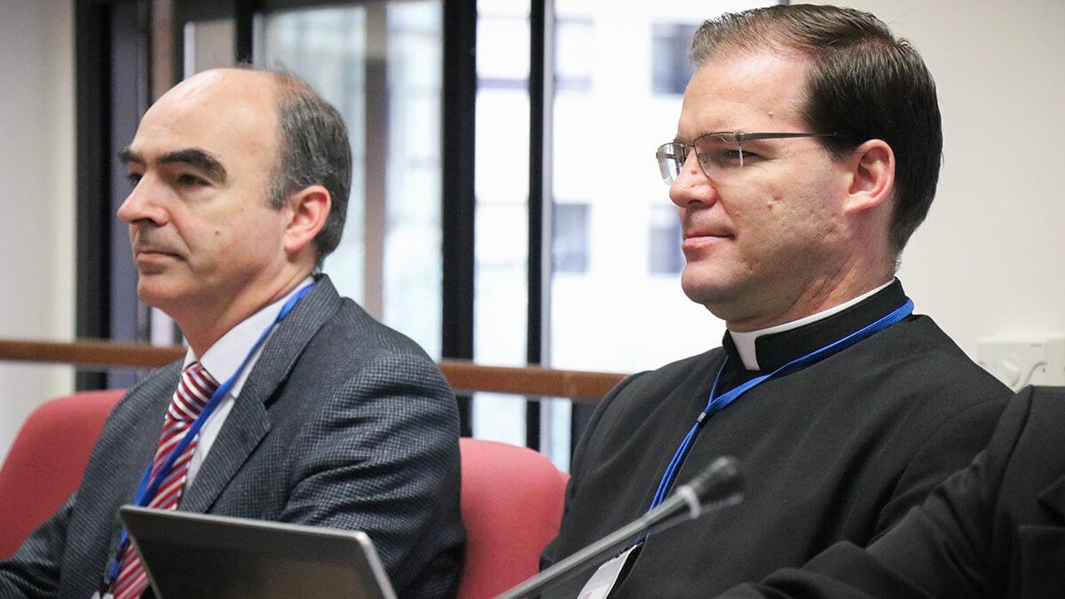 Emilio Martínez, consacré, et P. Valentin Gögele, LC, provincial