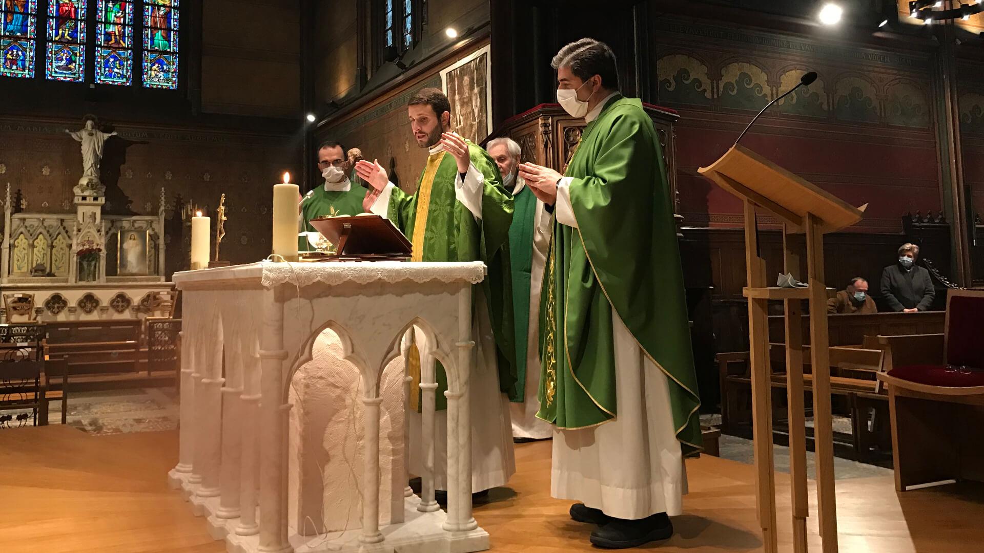 Première messe du P. Leopoldo à Notre-Dame de Boulogne