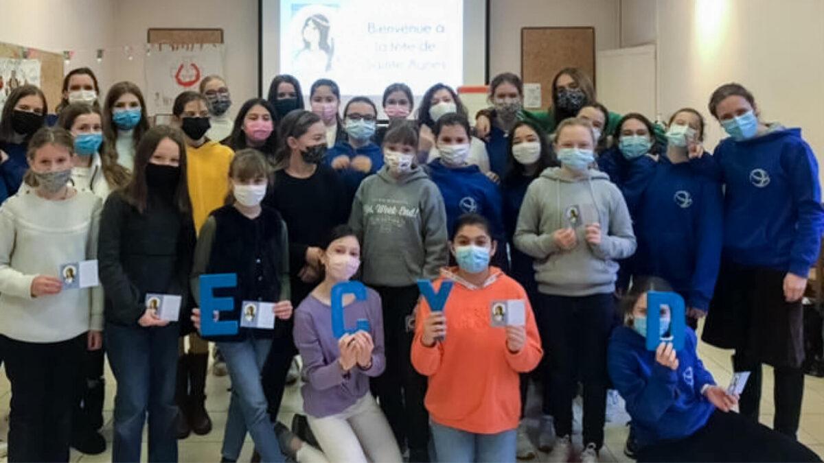 Groupe de jeunes filles ECyD pour la Sainte-Agnès